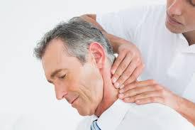 درمان دستی گرفتگی گردن