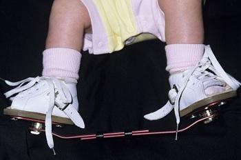 کفش مخصوص با میله
